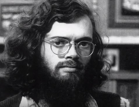 Terence McKenna in his late 20s/early 30s, lookin' like a bespectacled Jesus Christ, complete with flowing locks and buoyant beard.